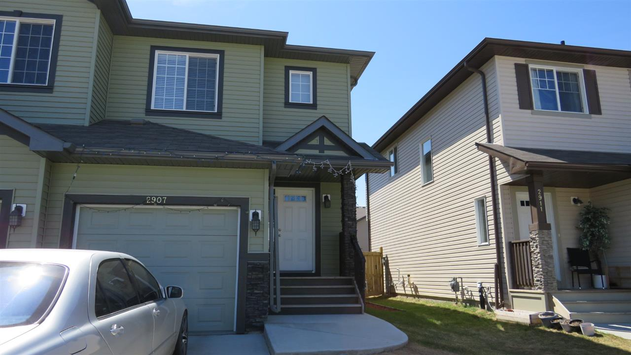Main Photo: 2907 17 Avenue NW in Edmonton: Zone 30 Attached Home for sale : MLS®# E4093250