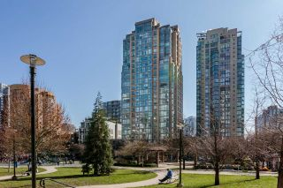 "Main Photo: 2201 1188 RICHARDS Street in Vancouver: Yaletown Condo for sale in ""PARK PLAZA"" (Vancouver West)  : MLS® # R2246399"