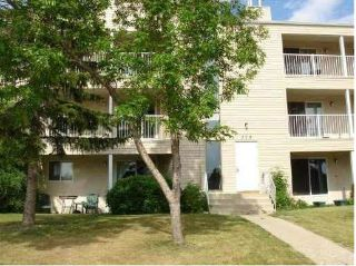 Main Photo: 304 328 WOODBRIDGE Way: Sherwood Park Condo for sale : MLS®# E4104291