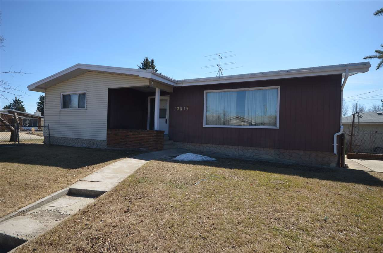 Main Photo: 12015 136 Avenue NW in Edmonton: Zone 01 House for sale : MLS®# E4105567