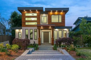 Main Photo: 553 E 5TH Street in North Vancouver: Lower Lonsdale House for sale : MLS®# R2270399