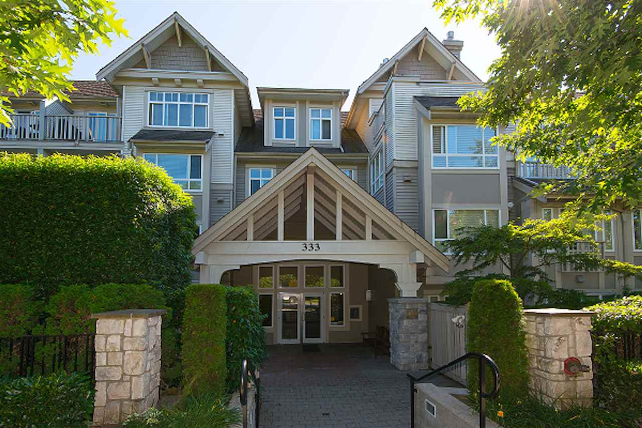 "Main Photo: 212 333 E 1ST Street in North Vancouver: Lower Lonsdale Condo for sale in ""VISTA WEST"" : MLS®# R2300508"