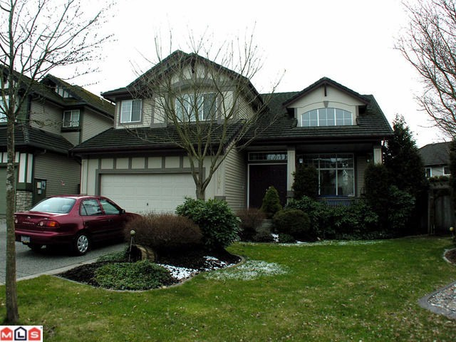 "Main Photo: 21076 85A Avenue in Langley: Walnut Grove House for sale in ""Manor Park"" : MLS®# F1104836"