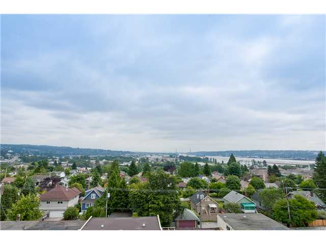 "Main Photo: 701 415 E COLUMBIA Street in New Westminster: Sapperton Condo for sale in ""SAN MARINO"" : MLS® # V905282"