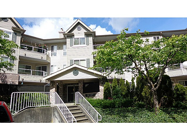 "Main Photo: 306 16137 83 Avenue in Surrey: Fleetwood Tynehead Condo for sale in ""THE FERNWOOD"" : MLS®# F1439395"