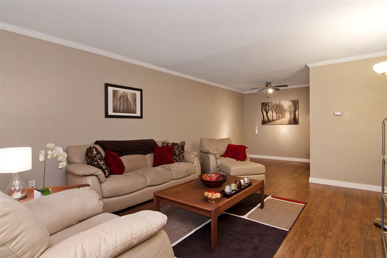 "Photo 5: 109 357 E 2ND Street in North Vancouver: Lower Lonsdale Condo for sale in ""Thornecliffe"" : MLS® # R2009279"