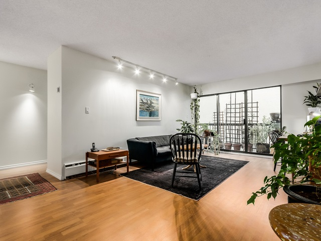 Photo 3: 321 710 E 6TH Avenue in Vancouver: Mount Pleasant VE Condo for sale (Vancouver East)  : MLS(r) # R2030305