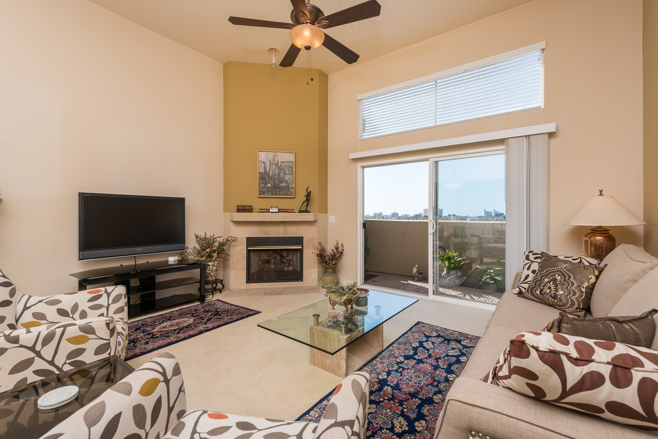 Photo 5: HILLCREST Condo for sale : 2 bedrooms : 3990 Centre St #406 in San Diego