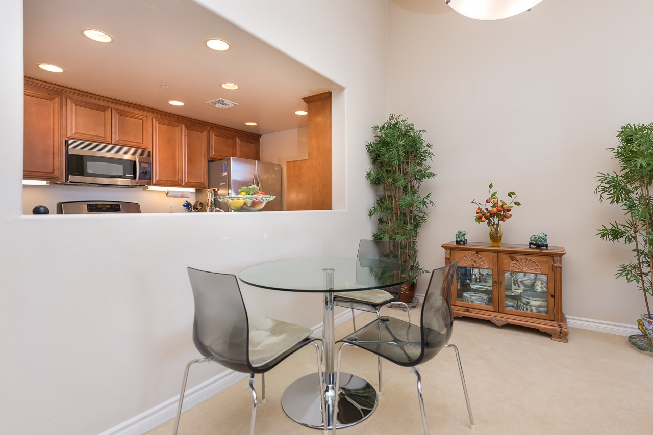 Photo 12: HILLCREST Condo for sale : 2 bedrooms : 3990 Centre St #406 in San Diego