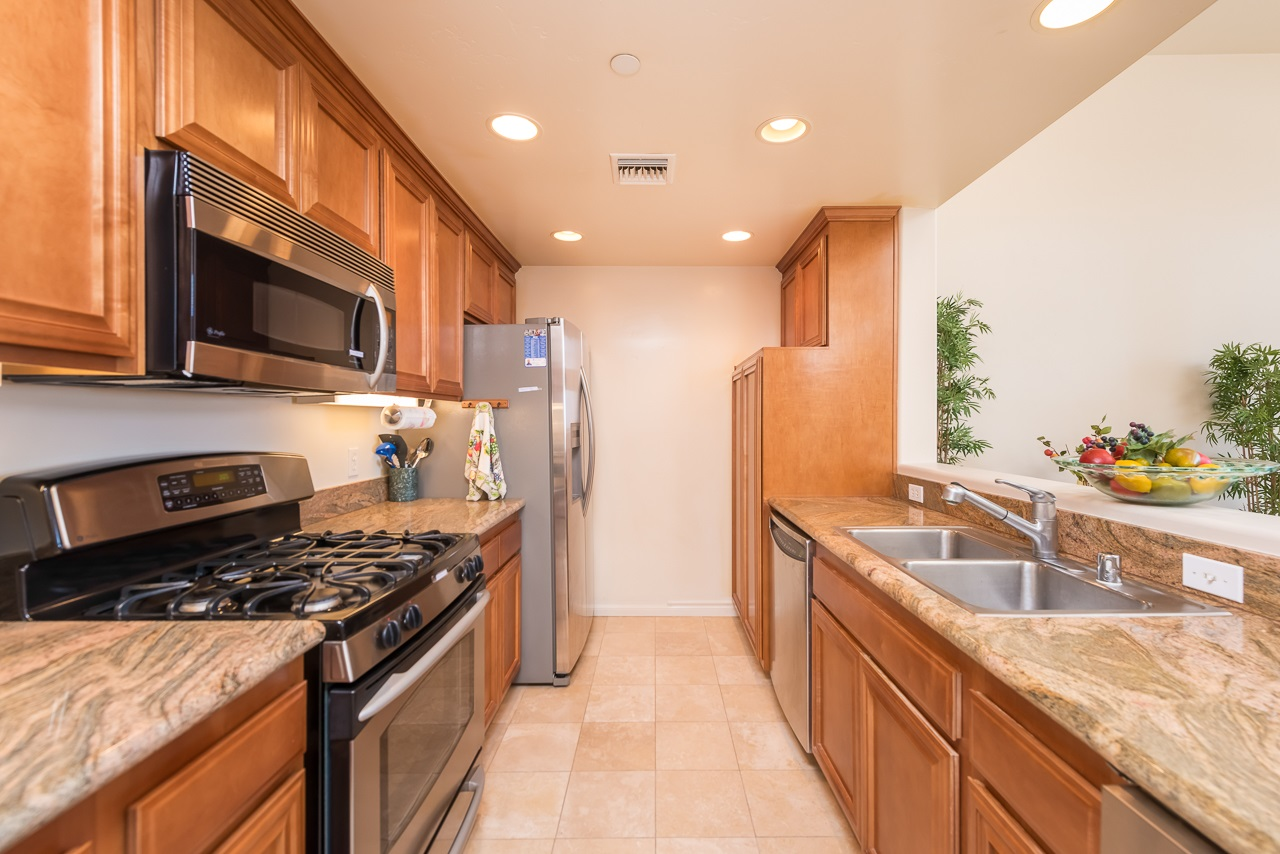 Photo 10: HILLCREST Condo for sale : 2 bedrooms : 3990 Centre St #406 in San Diego