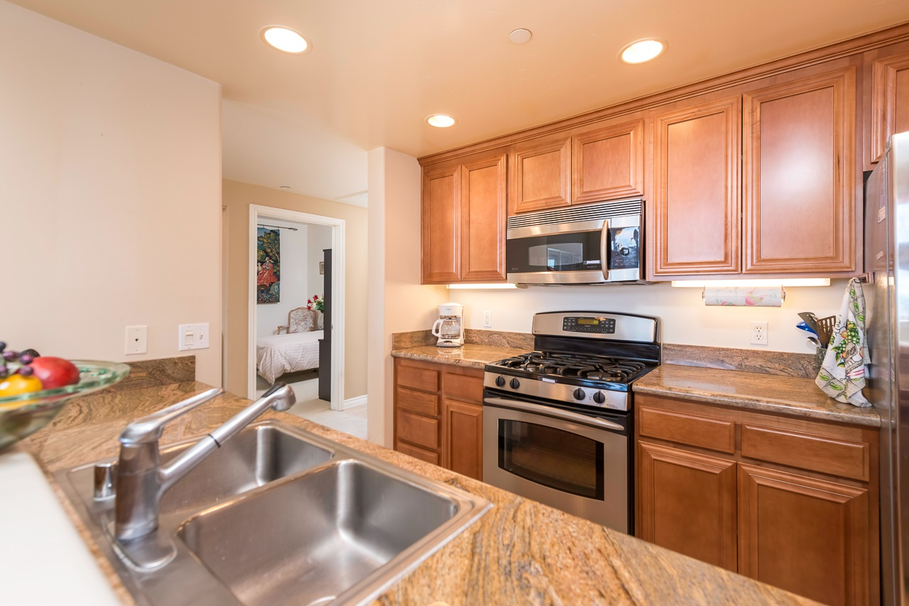 Photo 9: HILLCREST Condo for sale : 2 bedrooms : 3990 Centre St #406 in San Diego