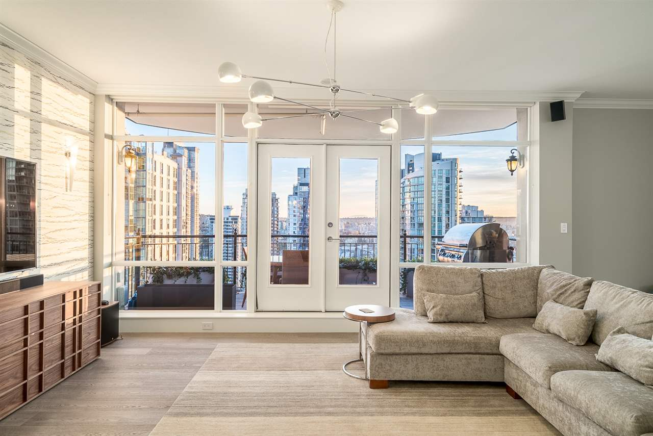 "Photo 10: 2500 1280 RICHARDS Street in Vancouver: Yaletown Condo for sale in ""THE GRACE"" (Vancouver West)  : MLS(r) # R2053379"