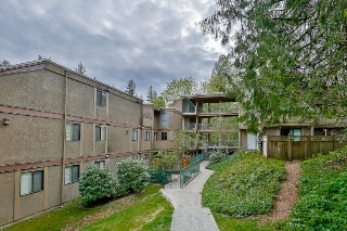 "Main Photo: 301 9126 CAPELLA Drive in Burnaby: Simon Fraser Hills Townhouse for sale in ""MOUNTAINWOOD"" (Burnaby North)  : MLS®# R2055145"