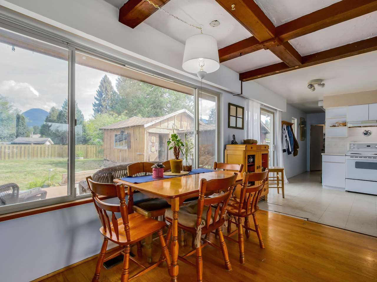 Photo 7: 2415 LAURALYNN Drive in North Vancouver: Westlynn House for sale : MLS(r) # R2062323