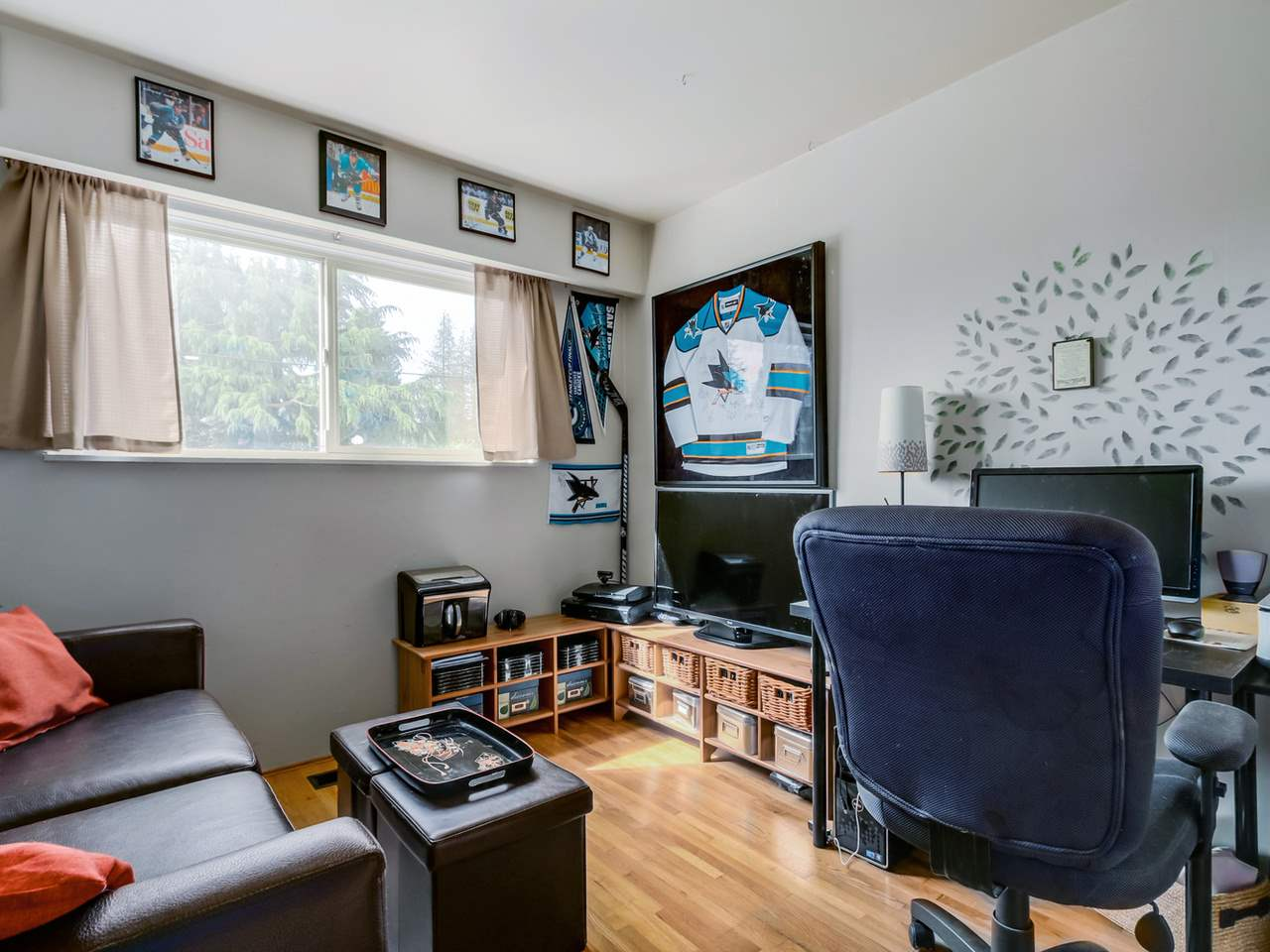 Photo 13: 2415 LAURALYNN Drive in North Vancouver: Westlynn House for sale : MLS® # R2062323
