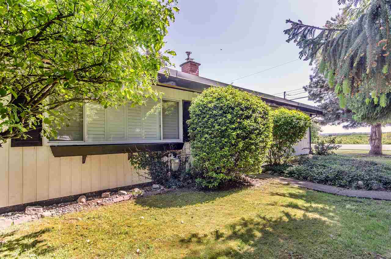 "Main Photo: 4408 MAPLE Lane in Delta: Delta Manor House for sale in ""DELTA MANOR"" (Ladner)  : MLS® # R2064992"