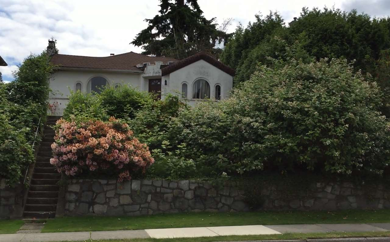"Main Photo: 656 W KING EDWARD Avenue in Vancouver: Cambie House for sale in ""CAMBIE"" (Vancouver West)  : MLS(r) # R2073996"