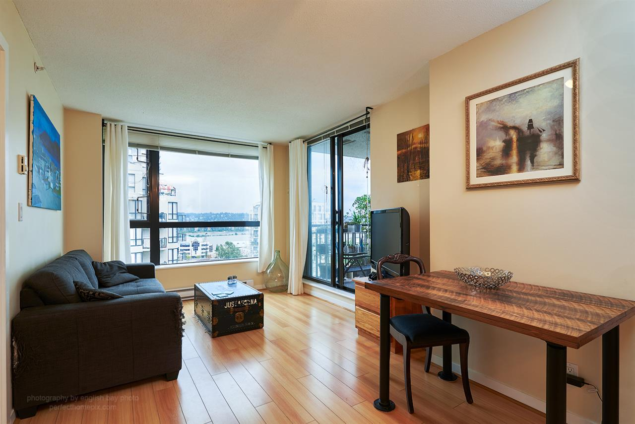 "Photo 4: 1207 833 AGNES Street in New Westminster: Downtown NW Condo for sale in ""THE NEWS"" : MLS® # R2097510"