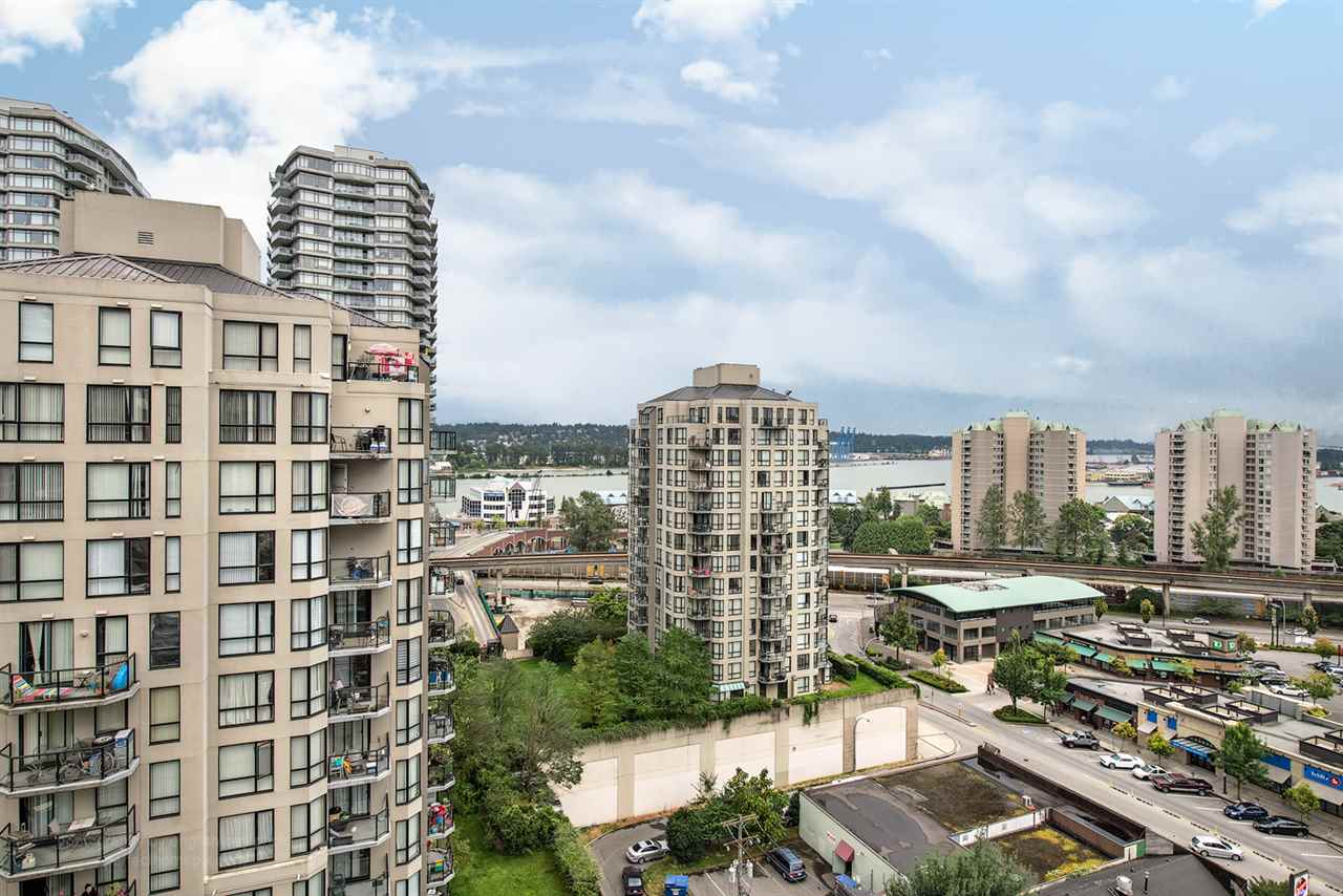 "Photo 11: 1207 833 AGNES Street in New Westminster: Downtown NW Condo for sale in ""THE NEWS"" : MLS® # R2097510"
