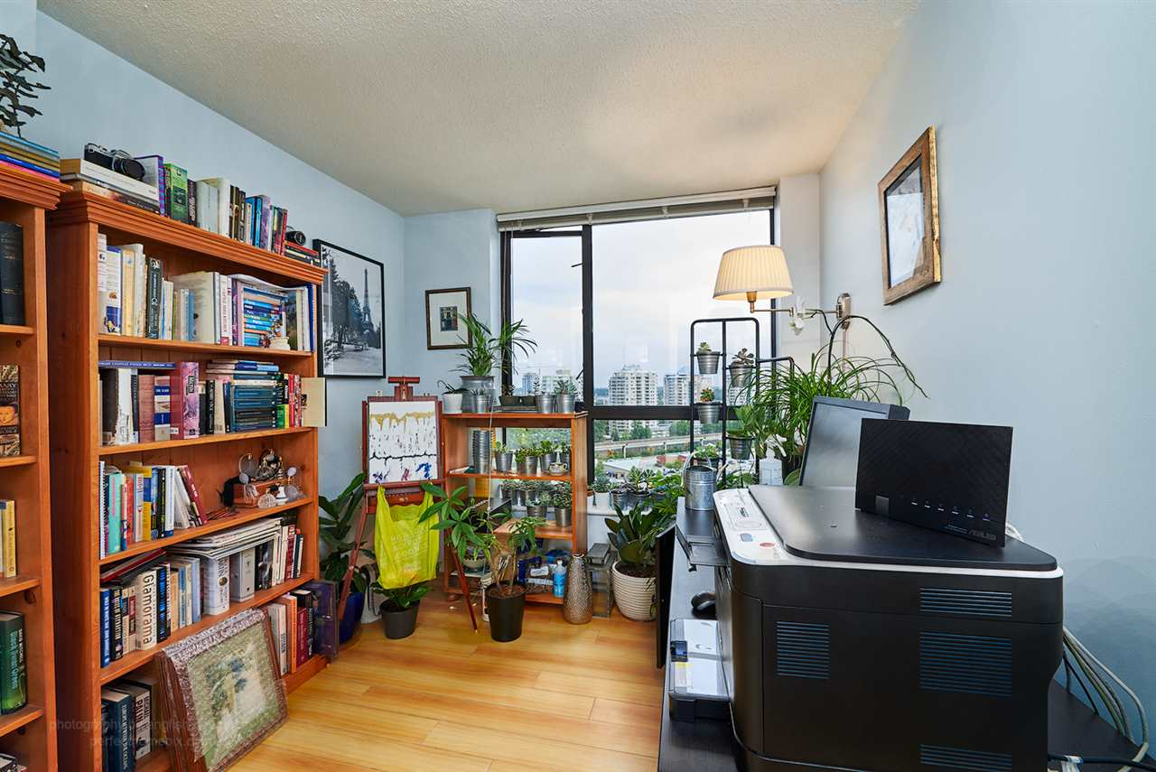 "Photo 7: 1207 833 AGNES Street in New Westminster: Downtown NW Condo for sale in ""THE NEWS"" : MLS® # R2097510"