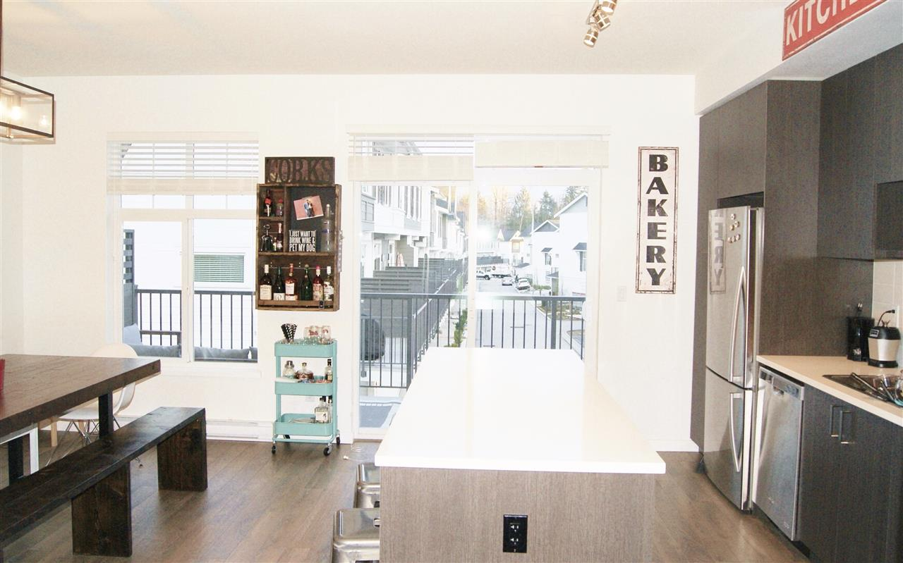 "Photo 7: 2 15340 GUILDFORD Drive in Surrey: Guildford Townhouse for sale in ""GUILDFORD THE GREAT"" (North Surrey)  : MLS® # R2153539"