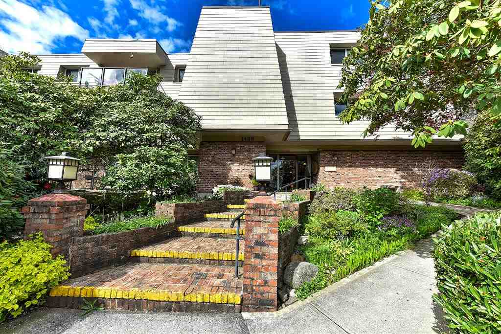 "Main Photo: 205 1429 MERKLIN Street: White Rock Condo for sale in ""Kensington Manor"" (South Surrey White Rock)  : MLS® # R2160383"