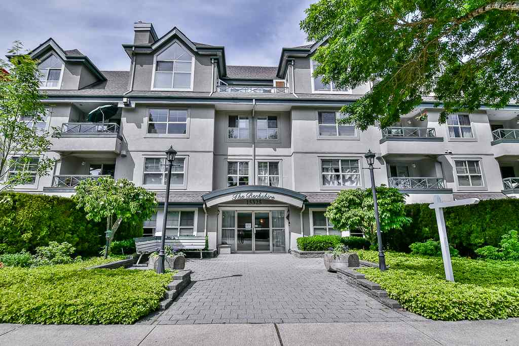 "Main Photo: 202 15325 17 Avenue in Surrey: King George Corridor Condo for sale in ""THE BERKSHIRE"" (South Surrey White Rock)  : MLS(r) # R2170706"