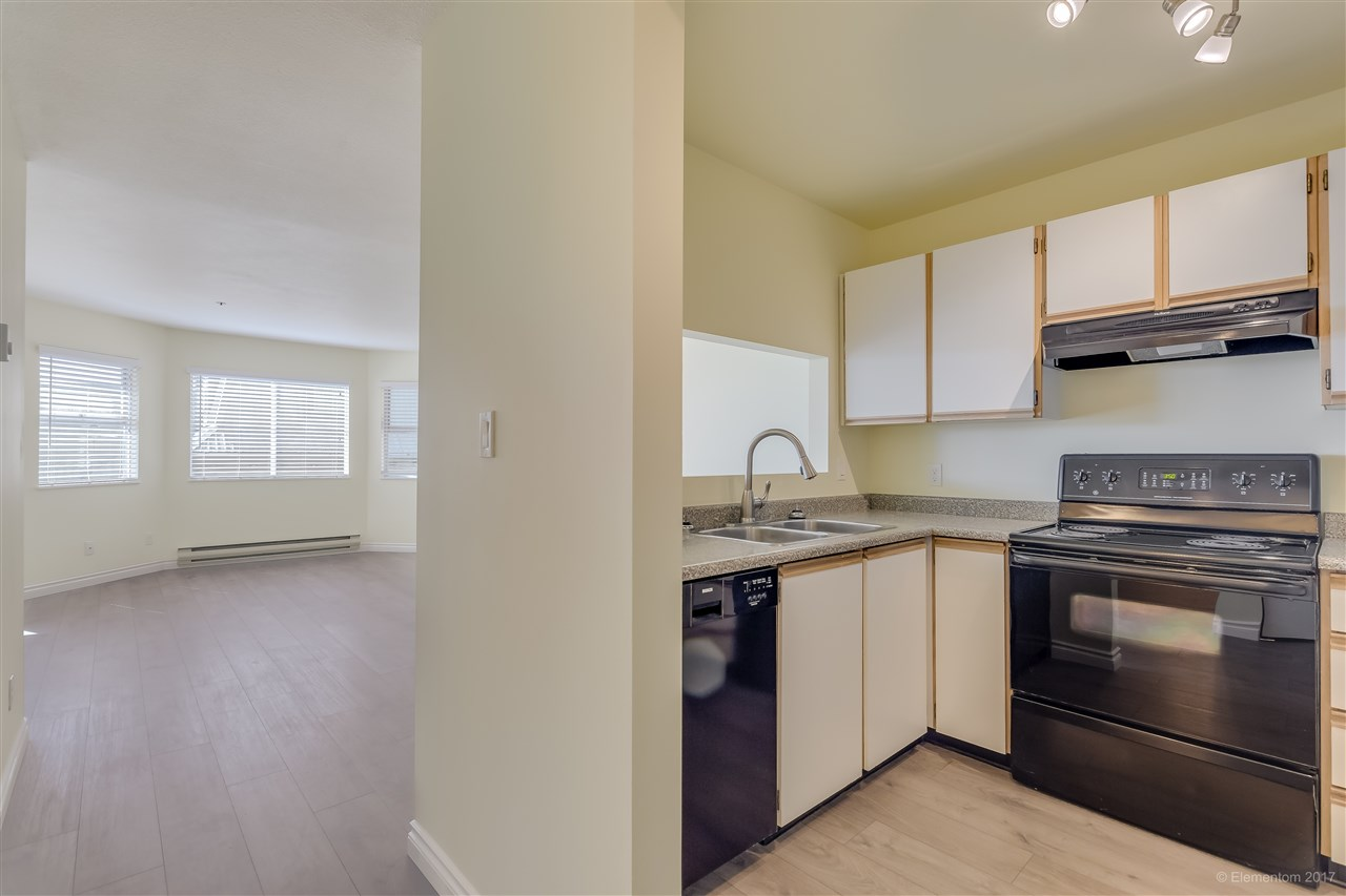 "Photo 6: 301 918 RODERICK Avenue in Coquitlam: Maillardville Condo for sale in ""VILLAGE SQUARE"" : MLS® # R2184149"
