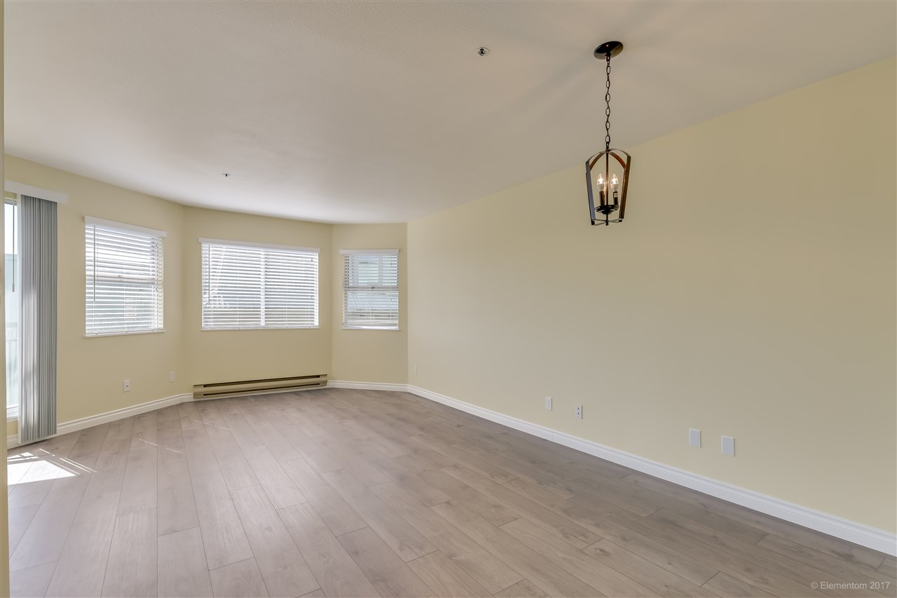"Photo 5: 301 918 RODERICK Avenue in Coquitlam: Maillardville Condo for sale in ""VILLAGE SQUARE"" : MLS® # R2184149"