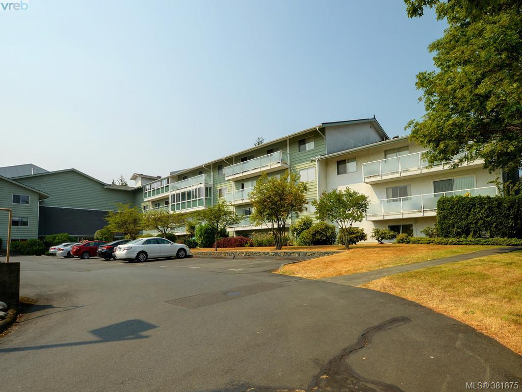 Main Photo: 402 1490 Garnet Place in VICTORIA: SE Cedar Hill Condo Apartment for sale (Saanich East)  : MLS® # 381875