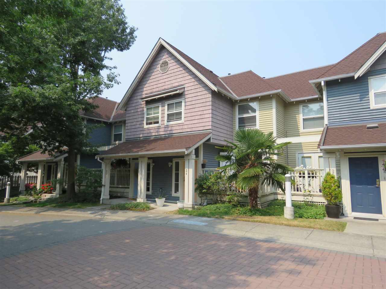 Main Photo: 24 1700 56 Street in Delta: Beach Grove Townhouse for sale (Tsawwassen)  : MLS® # R2195840