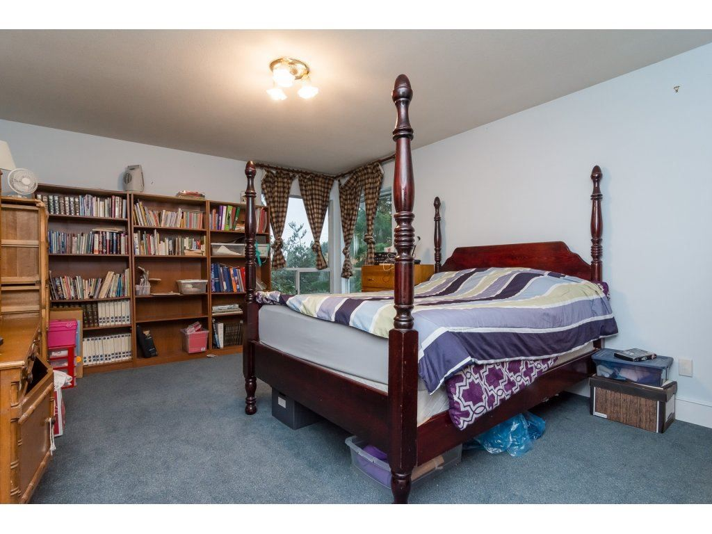 Photo 12: Photos: 6785 208 Street in Langley: Willoughby Heights House for sale : MLS® # R2210670