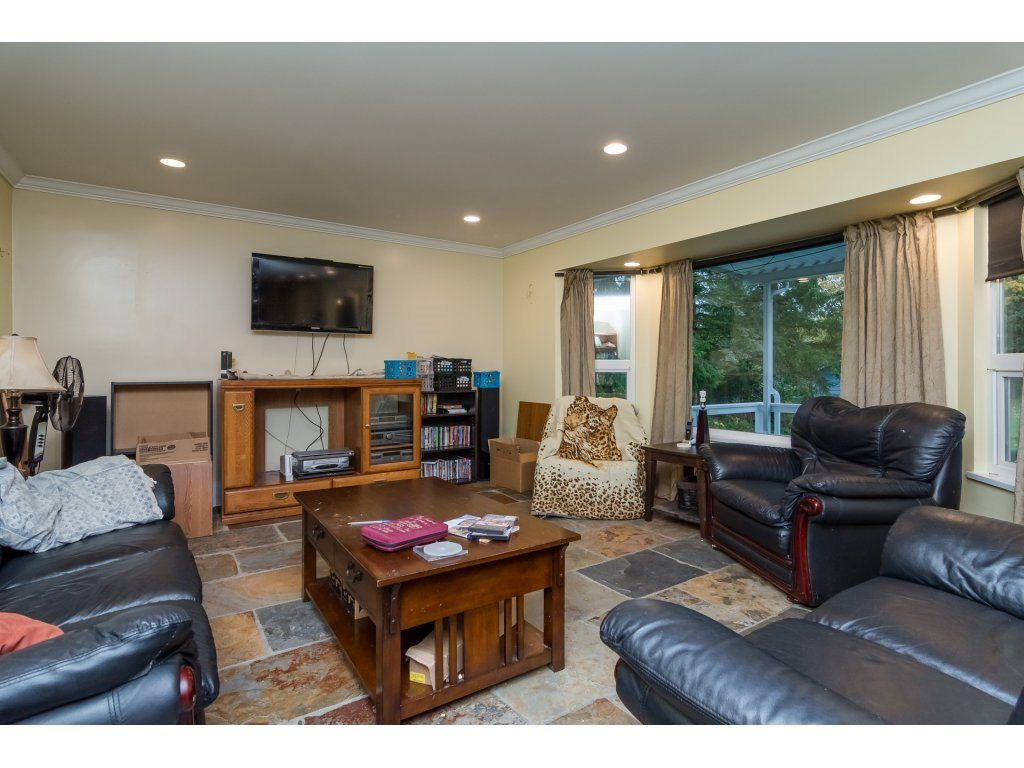 Photo 4: Photos: 6785 208 Street in Langley: Willoughby Heights House for sale : MLS® # R2210670