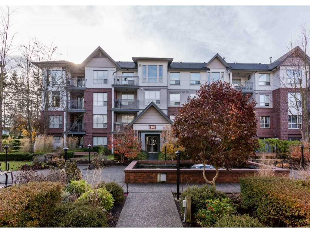 "Main Photo: 109 2167 152 Street in Surrey: Sunnyside Park Surrey Condo for sale in ""Muirfield Gardens"" (South Surrey White Rock)  : MLS®# R2222684"