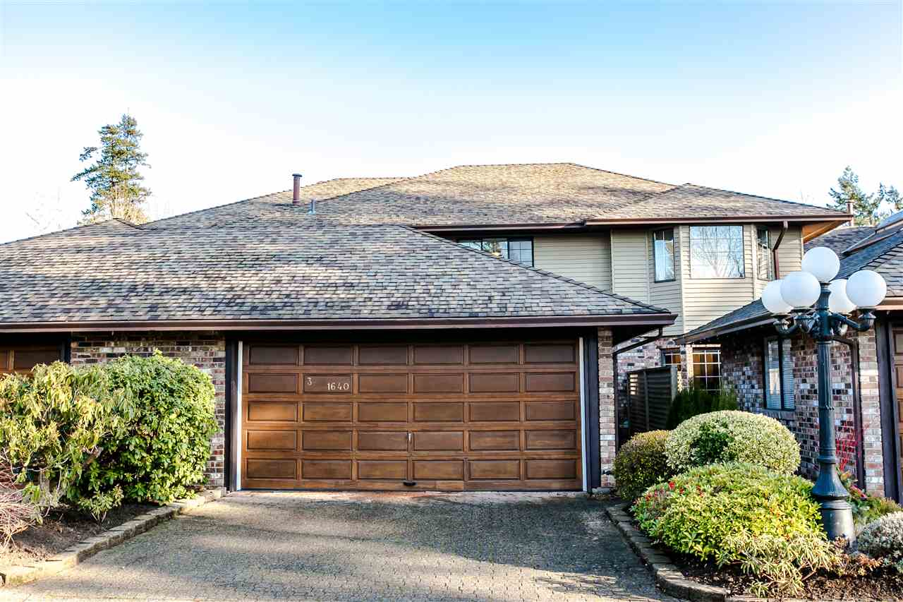 "Main Photo: 3 1640 148 Street in Surrey: Sunnyside Park Surrey Townhouse for sale in ""Englesea"" (South Surrey White Rock)  : MLS®# R2231045"