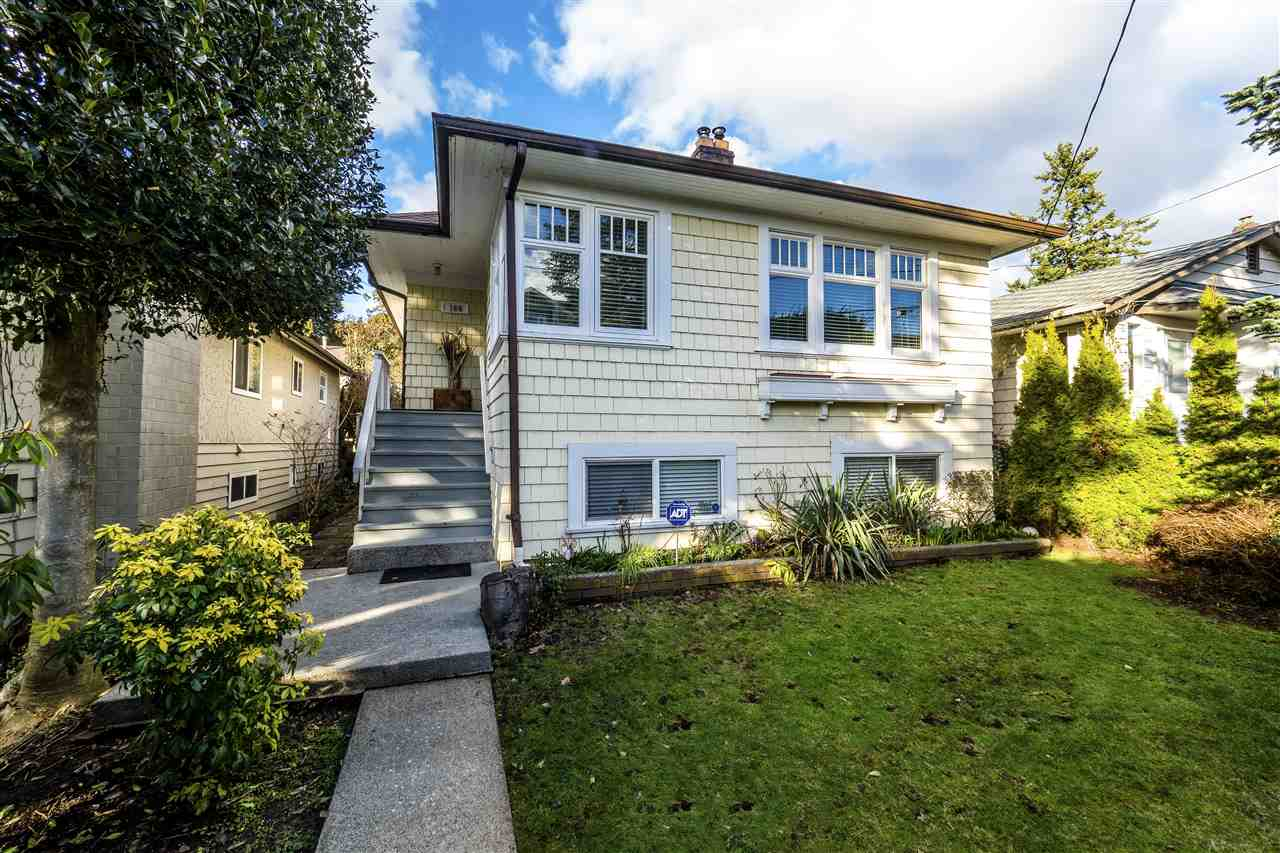 Main Photo: 164 W 23RD STREET in North Vancouver: Central Lonsdale House for sale : MLS®# R2245898