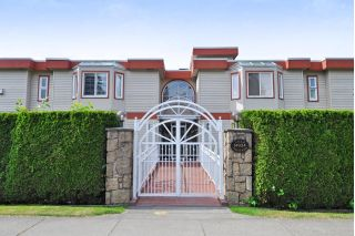 "Main Photo: 103 14934 THRIFT Avenue: White Rock Condo for sale in ""Villa Positano"" (South Surrey White Rock)  : MLS®# R2262172"