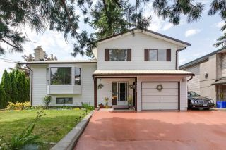 Main Photo: 2883 272 Street in Langley: Aldergrove Langley House for sale : MLS®# R2283966
