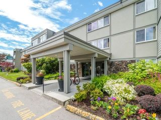 "Main Photo: 129 3451 SPRINGFIELD Drive in Richmond: Steveston North Condo for sale in ""Imperial by the Sea/ Admiral Court"" : MLS®# R2285548"