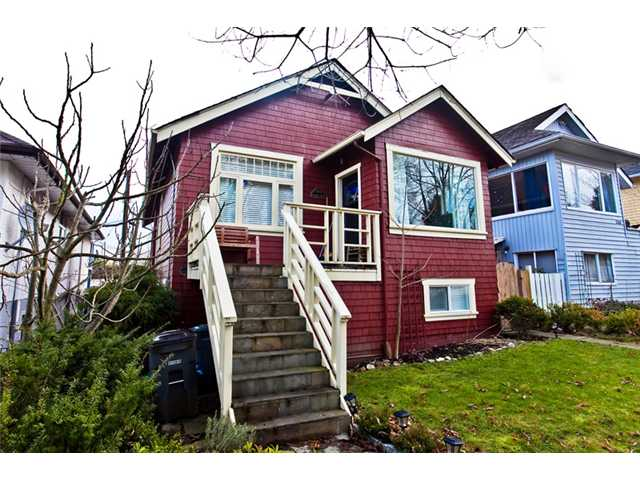 "Main Photo: 3338 INVERNESS Street in Vancouver: Knight House for sale in ""CEDAR COTTAGE"" (Vancouver East)  : MLS® # V869690"