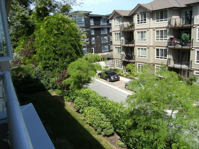 "Photo 15: 304 15375 17TH Avenue in Surrey: King George Corridor Condo for sale in ""Carmel Place"" (South Surrey White Rock)  : MLS(r) # F1118895"