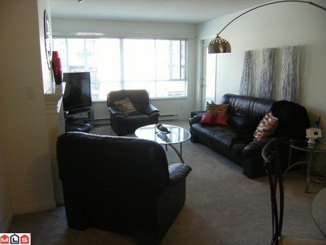 "Photo 3: 304 15375 17TH Avenue in Surrey: King George Corridor Condo for sale in ""Carmel Place"" (South Surrey White Rock)  : MLS(r) # F1118895"