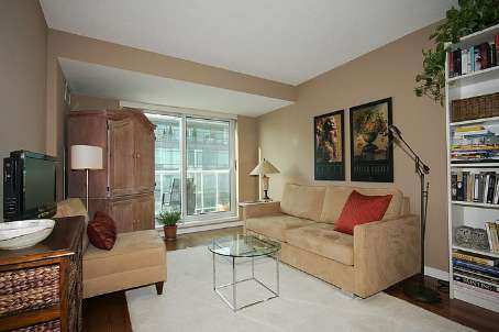 Photo 3: 11 230 E King Street in Toronto: Moss Park Condo for sale (Toronto C08)  : MLS(r) # C2525821