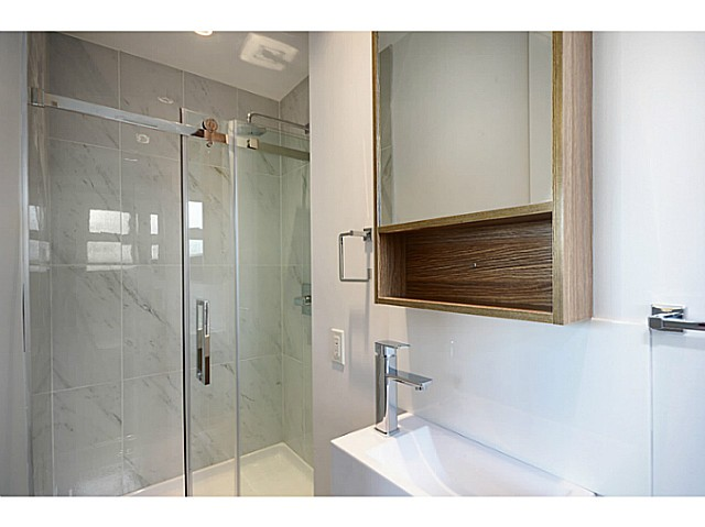 Photo 9: 1365 E 29TH Avenue in Vancouver: Knight House for sale (Vancouver East)  : MLS(r) # V1044193