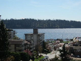 Main Photo: 703 1412 ESQUIMALT Avenue in West Vancouver: Ambleside Condo for sale : MLS® # V1058357