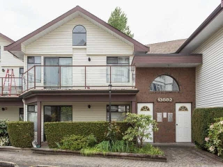 "Main Photo: 202 13882 102 Avenue in Surrey: Whalley Townhouse for sale in ""GLENDALE VILLAGE"" (North Surrey)  : MLS® # F1438802"