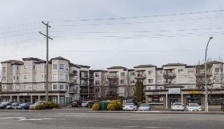 "Main Photo: 418 5759 GLOVER Road in Langley: Langley City Condo for sale in ""College Court"" : MLS® # R2026481"