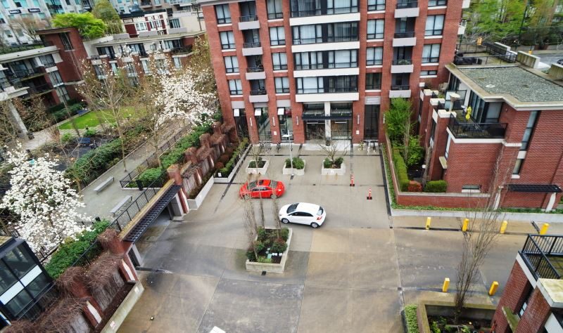 "Photo 8: 703 977 MAINLAND Street in Vancouver: Yaletown Condo for sale in ""YALETOWN PARK 3"" (Vancouver West)  : MLS® # R2048985"