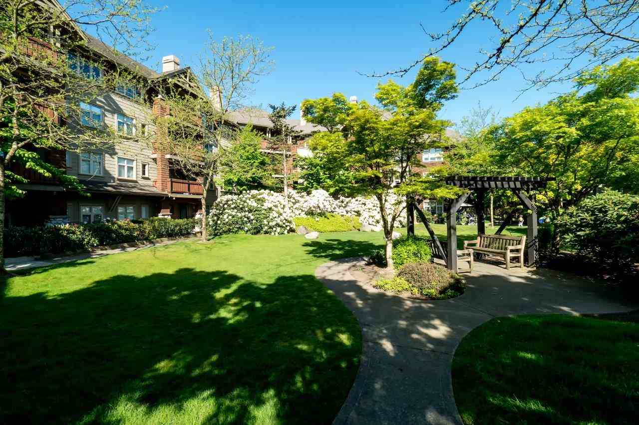 Main Photo: 312 18 SMOKEY SMITH Place in New Westminster: GlenBrooke North Condo for sale : MLS® # R2067052