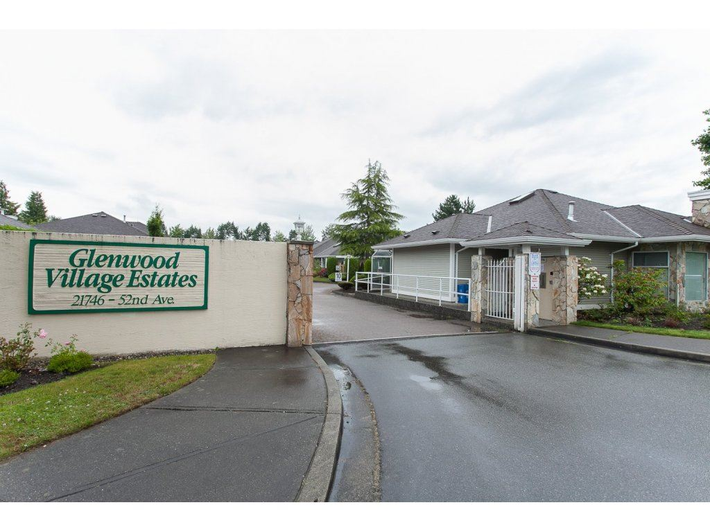 "Photo 2: 16 21746 52 Avenue in Langley: Murrayville Townhouse for sale in ""Glenwood Village Estates"" : MLS® # R2087086"